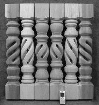 Paarweise produzierte spezielle hohle gedrechselte Tischbeine Holz