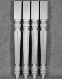 Reich verzierte, gedrechselte Tischbeine Holz